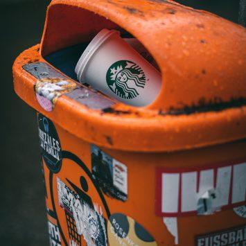 Plastika za enkratno uporabo se tihotapi nazaj